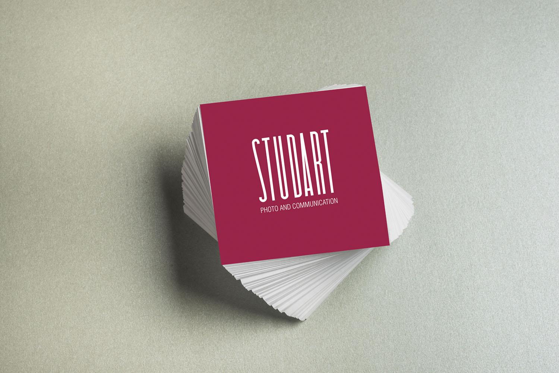 Biglietti da visita Studart progettati come parte dell'immagine coordinata del brand, progetto grafico e brand identity di Myosign Annarita Bonanata